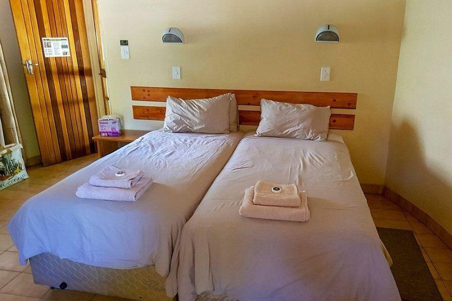 Skukuza Rest Camp Kruger NP Zuid Afrika slaapkamer