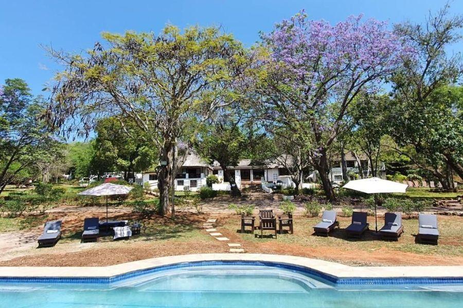 Rissington Inn Hazyview Zuid-Afrika buiten zwembad
